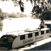 Rainbow Springs Tourist boat